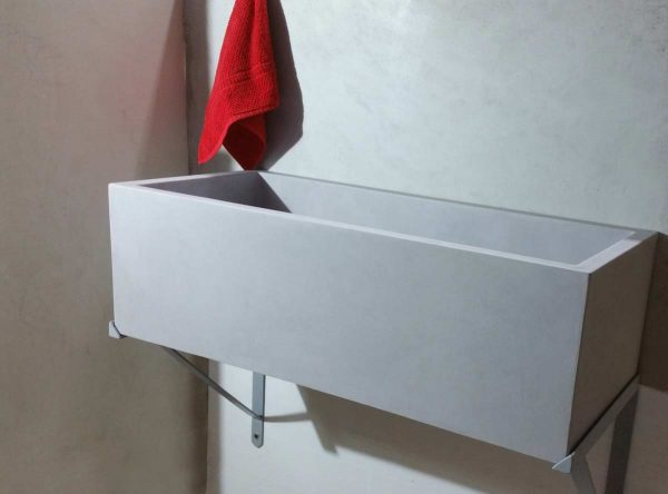installazione lavabo sospeso lavanderia
